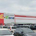 石川県、営業中のパチンコ店2店を公表 イーゾーン金沢店の駐車場はほぼ満車か