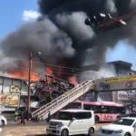 長崎市のパチンコ店「浦上まるみつ」が火事で全焼